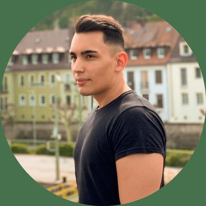 Shopify Experte Adrian Piegsa